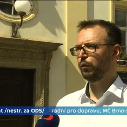Česká televize: Zjednodušení dopravního značení chystá radní brněnské městské části Jan Mandát