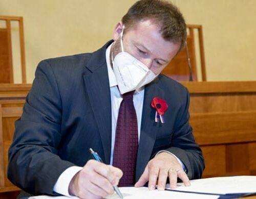 Evropská komise neproplatí 100 milionů firmě Penam. Babišova ministryně Dostálová nebude dotaci po Agrofertu vymáhat.